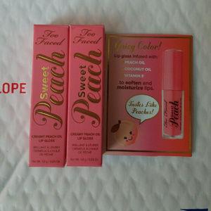 Too faced Sweet Peach Lip Gloss (mini's)